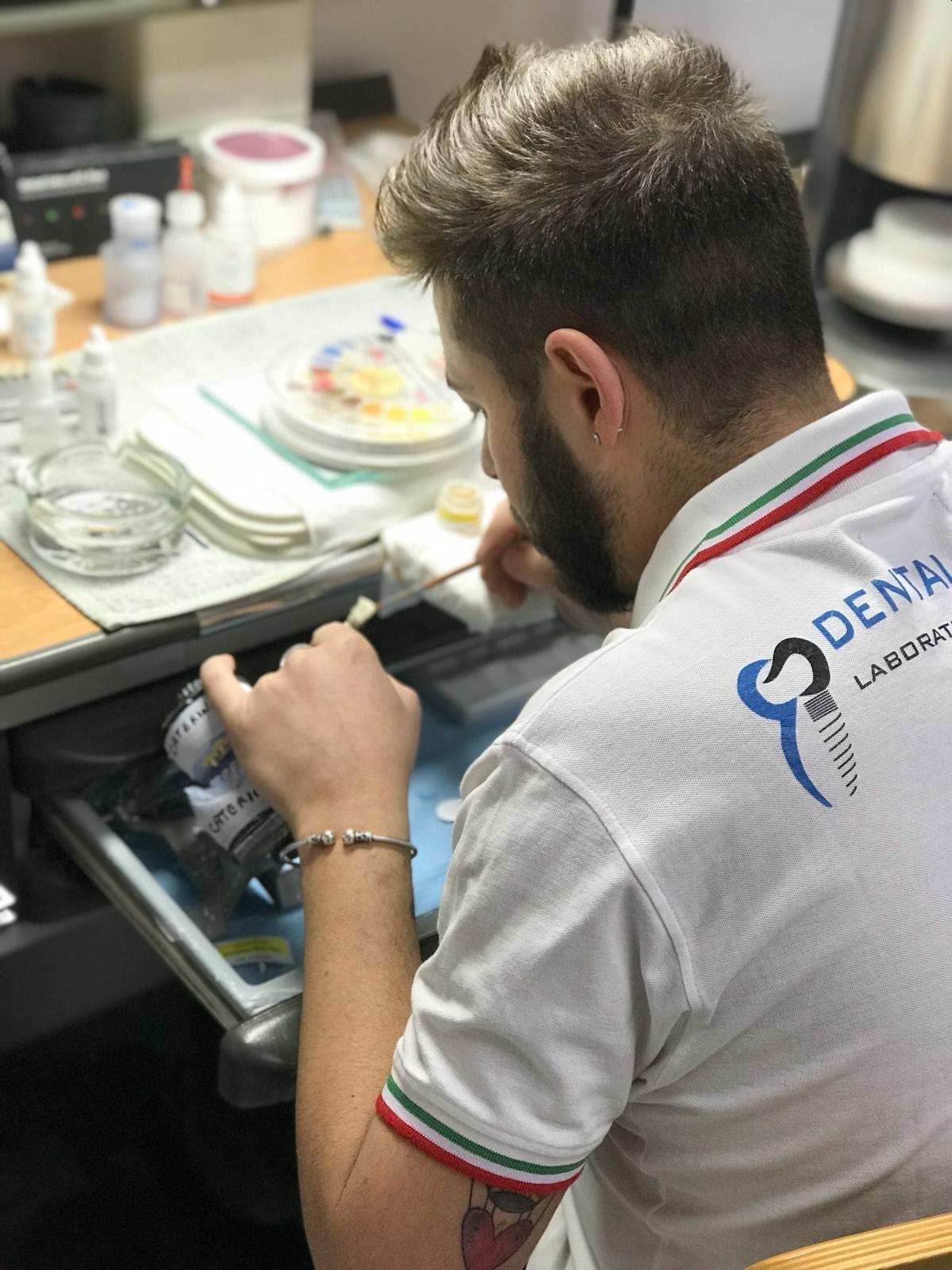 lavorazioni cermaica protesi dental house odontotecnico